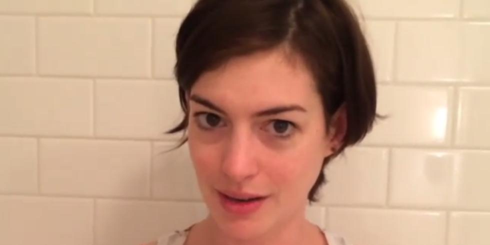 Anne Hathaway als