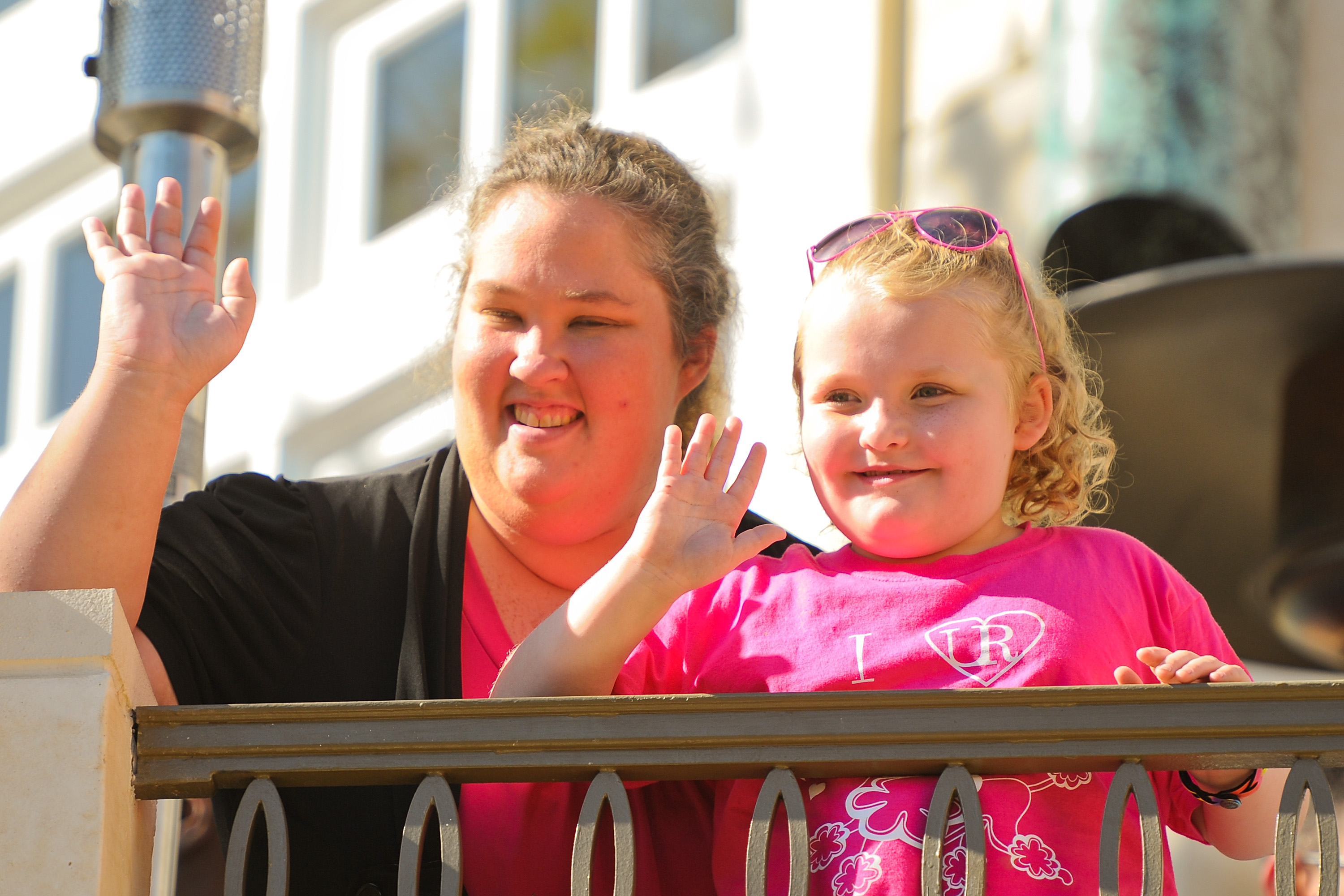 is mama june really dating a sex offender Mama june may lose custody of her (she added that june never really tlc cancels honey boo boo after reports that mama june is dating a sex offender.