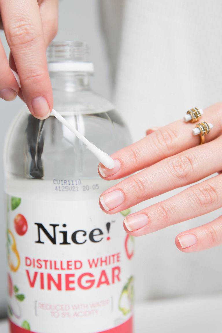 How do you keep gel nails shiny