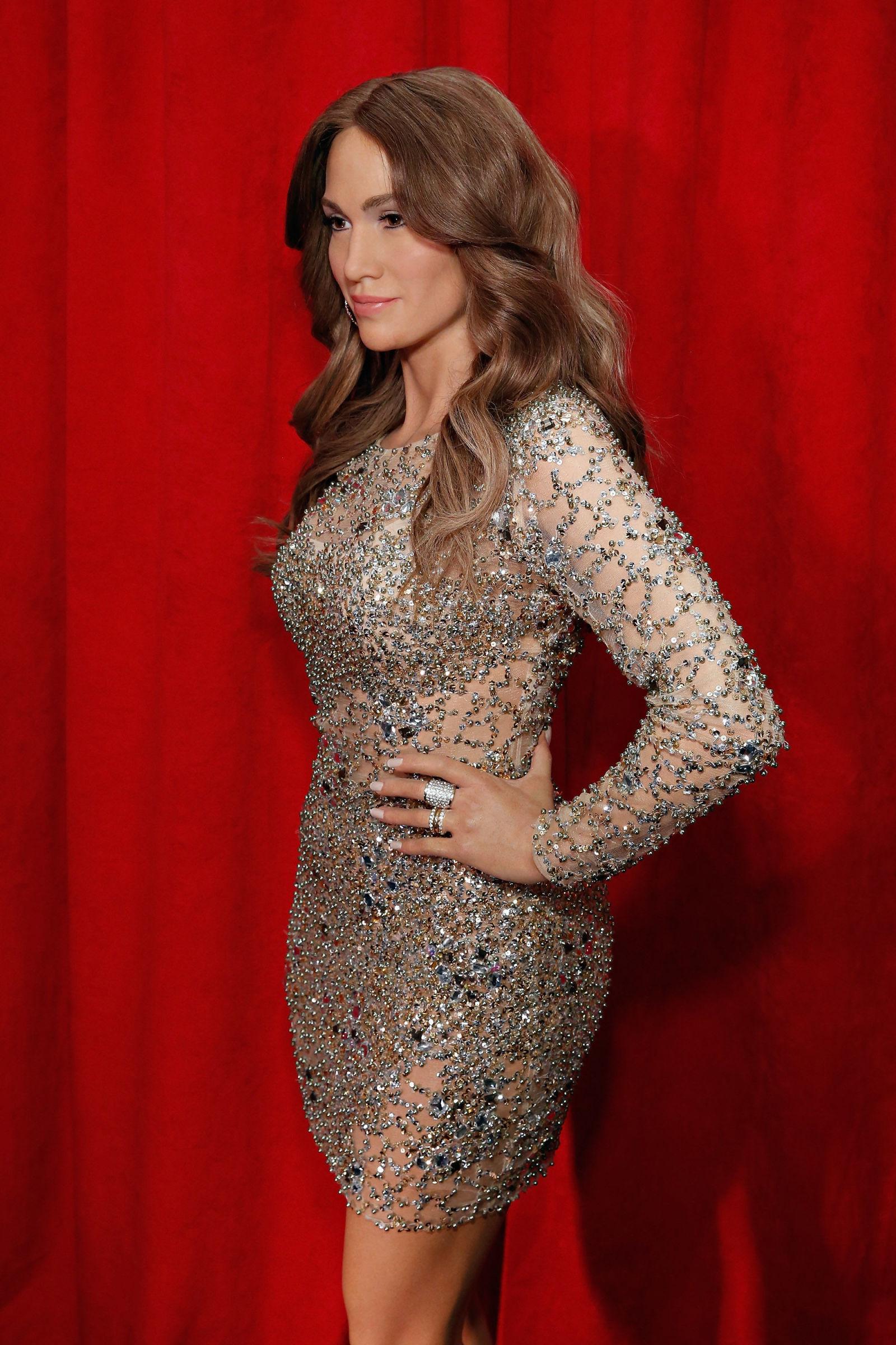 Jennifer Lopez Got A New Wax Statue