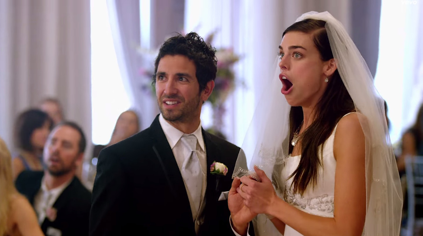 Did maroon 5 fake some of the weddings in their new music for Maroon 5 wedding video