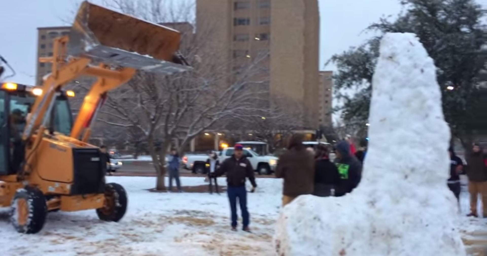 Snow Penis 2015 Texas Tech - YouTube