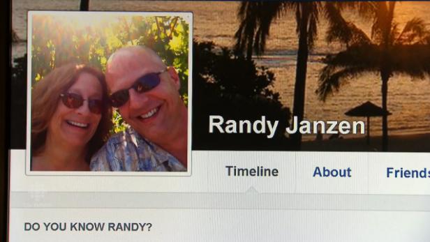 """يعترف بقتل عائلته """"فيسبوك"""" بسبب"""