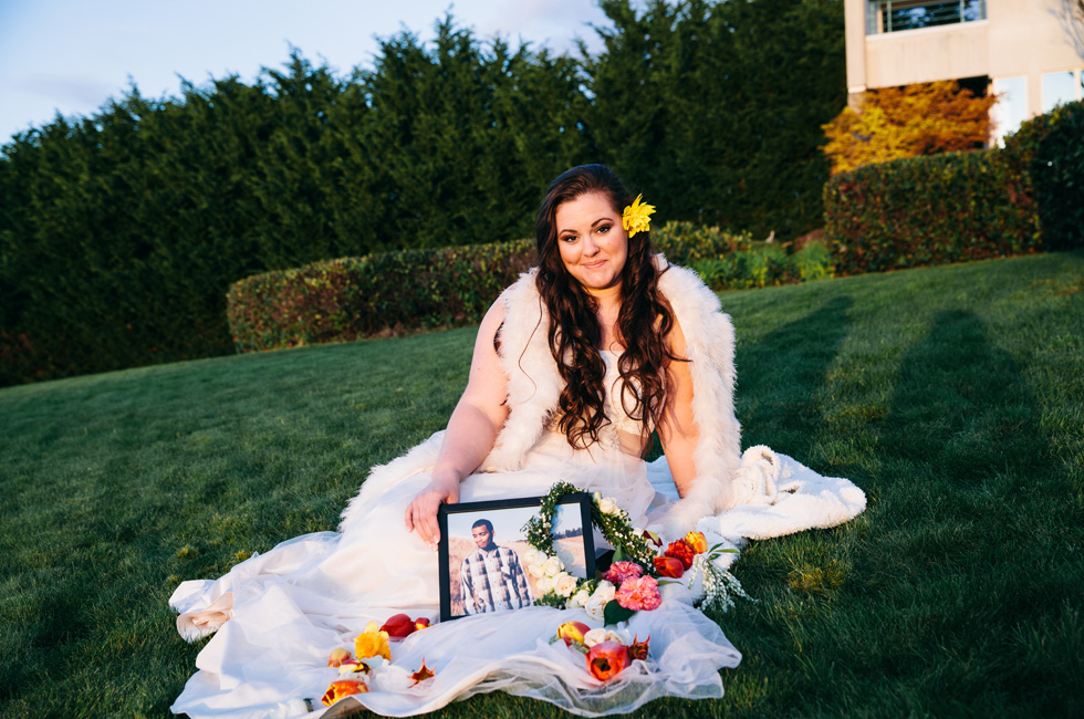 Gift To Fiance Before Wedding: This Bride Did A Moving Photo Shoot After Her Fiancé Died