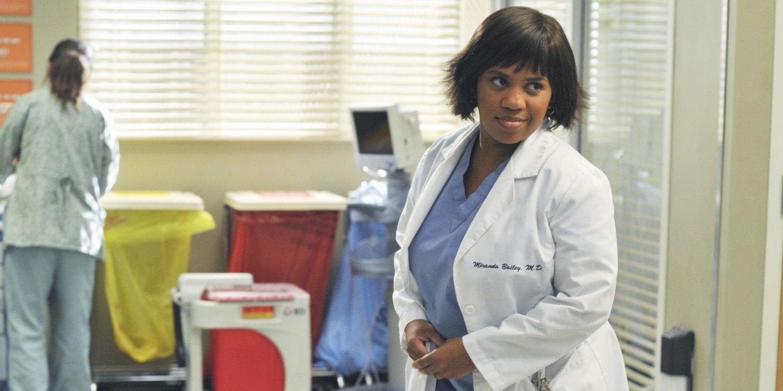 Grey's Anatomy Chandra Wilson Chooses Miranda Bailey's 10 ...