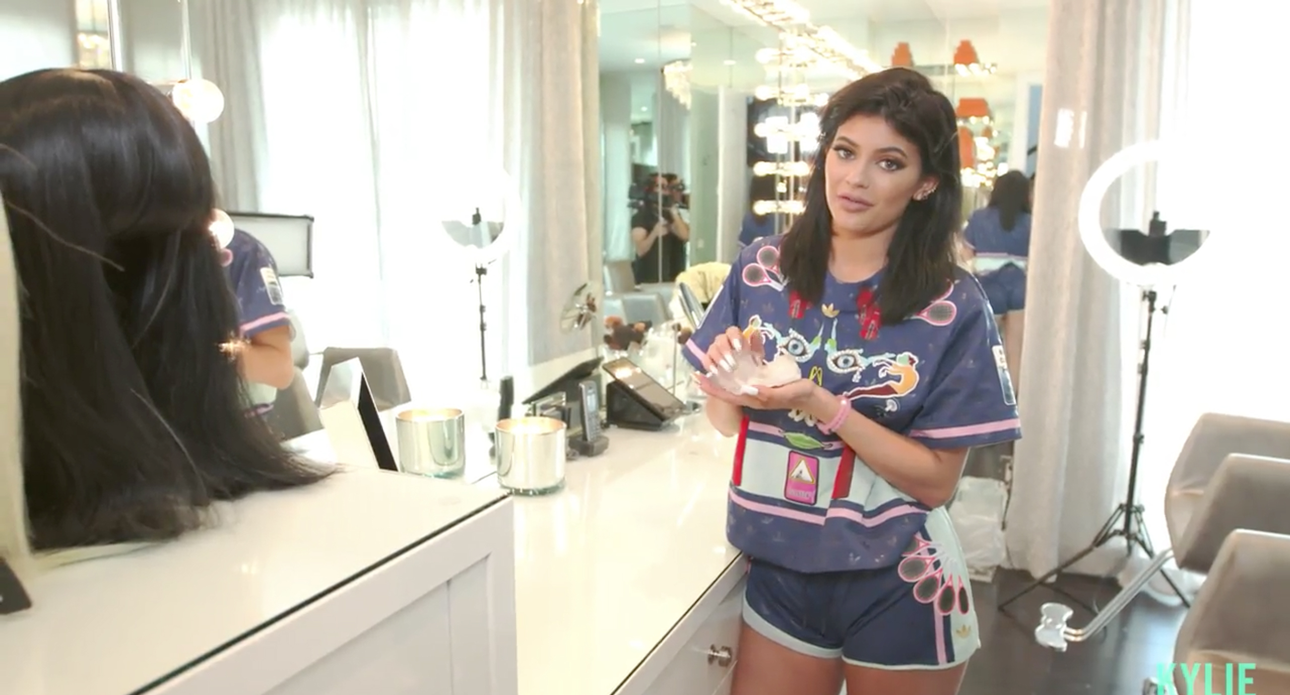 5 of the kylie est reveals from kylie jenner 39 s glam room tour for Kylie jenner room tour