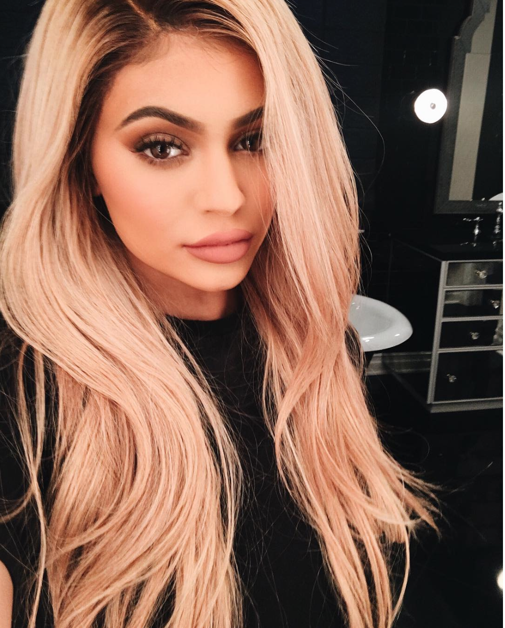 Kylie Jenner Has Blonde Hair Kylie Jenner Hair Color Trends