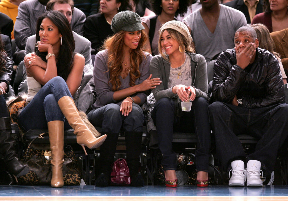 Tyra Banks chats with Beyoncé at a New York Knicks game. Their public courtside moment comes months after Tyra got Bey to go cross-eyed during a 2006 appearance on her talk show.