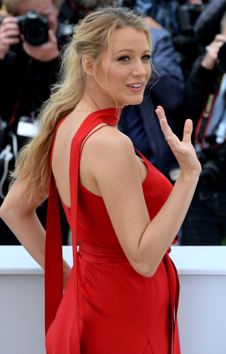 gallery-1462974318-blake-lively-cannes-r