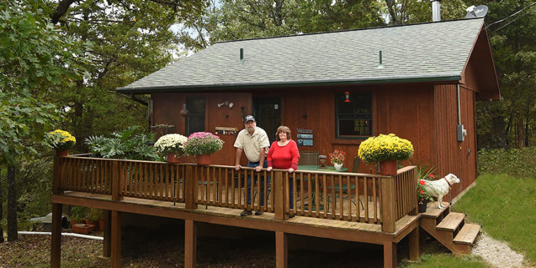 I live in a tiny house what it 39 s really like to live small for Small cabin living